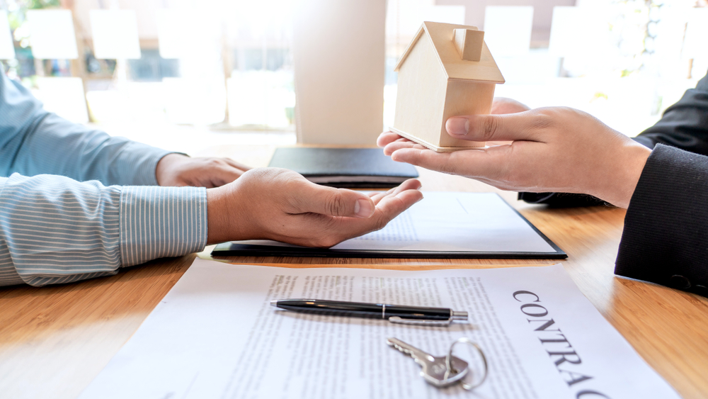 property owner and property manager signing contract